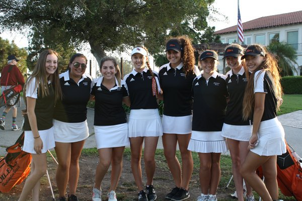 """huntington beach single girls """"surf city, usa,"""" that's what the town and locals like to call huntington beach (and the city went to court battling santa cruz for the use of the name."""